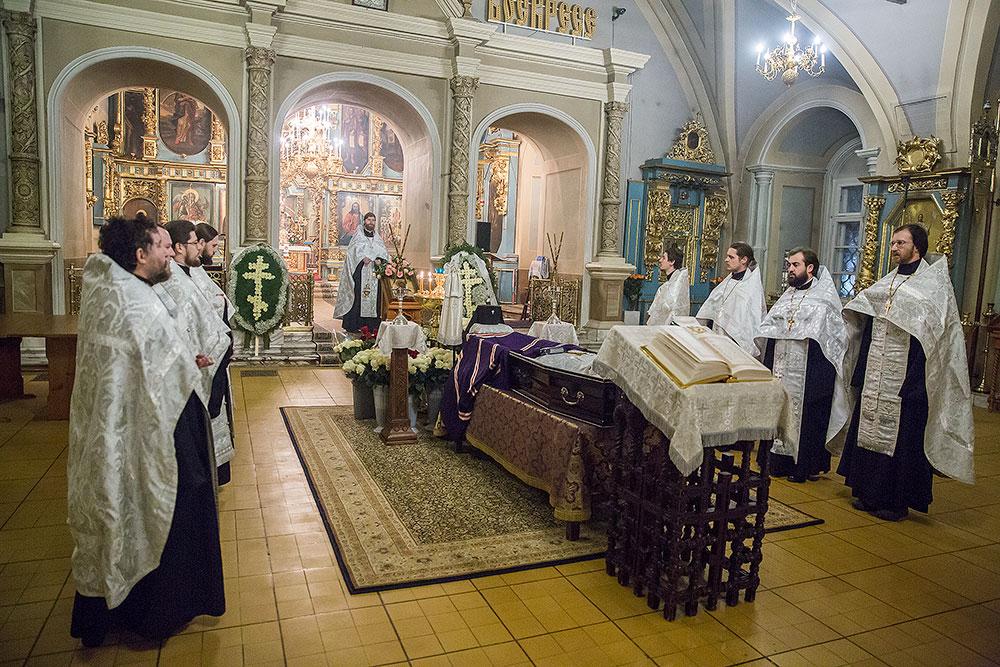 Заупокойная молитва по новопреставленному архиепископу Можайскому Григорию